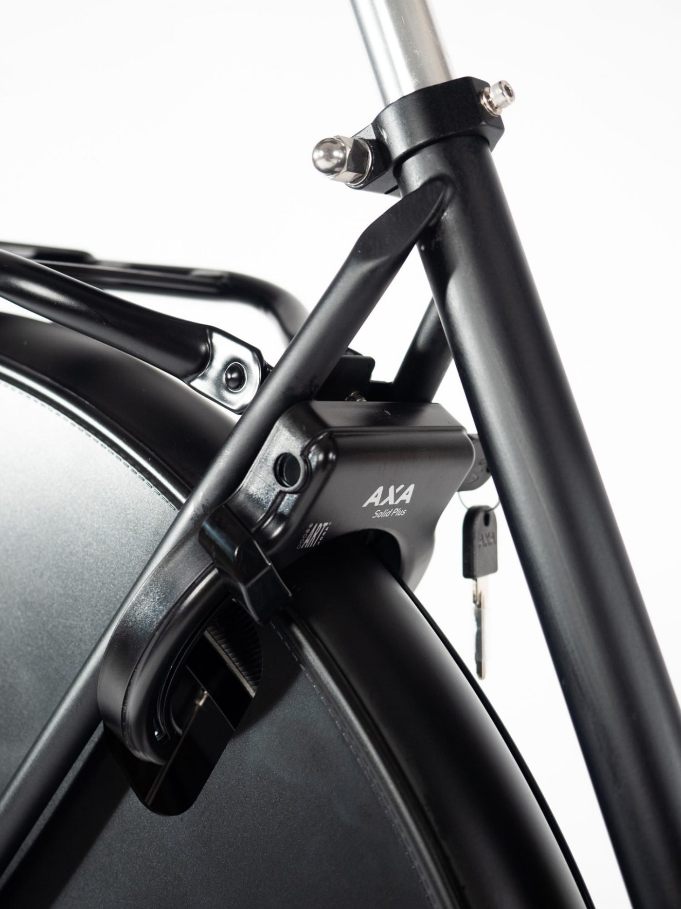 The integrated lock immobilizes the rear wheel. This won't prevent the bike from being carried away but when combined with a chain or U-lock it's a very complete locking system. For those fortunate enough to live in a low-theft area the ring lock is adequate on its own.