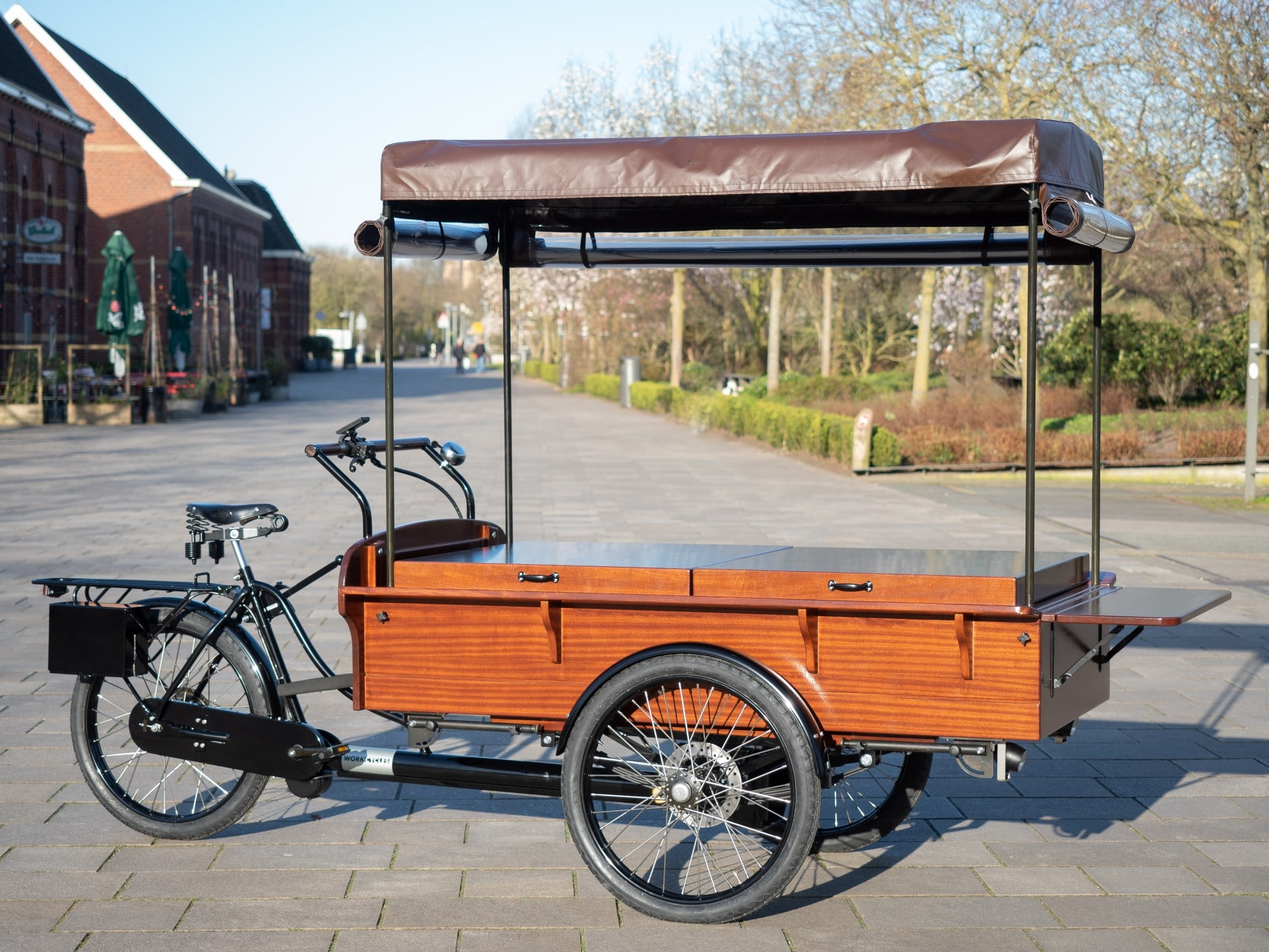 Please note that these trikes are rather big and heavy thus only suitable for essentially flat terrain.